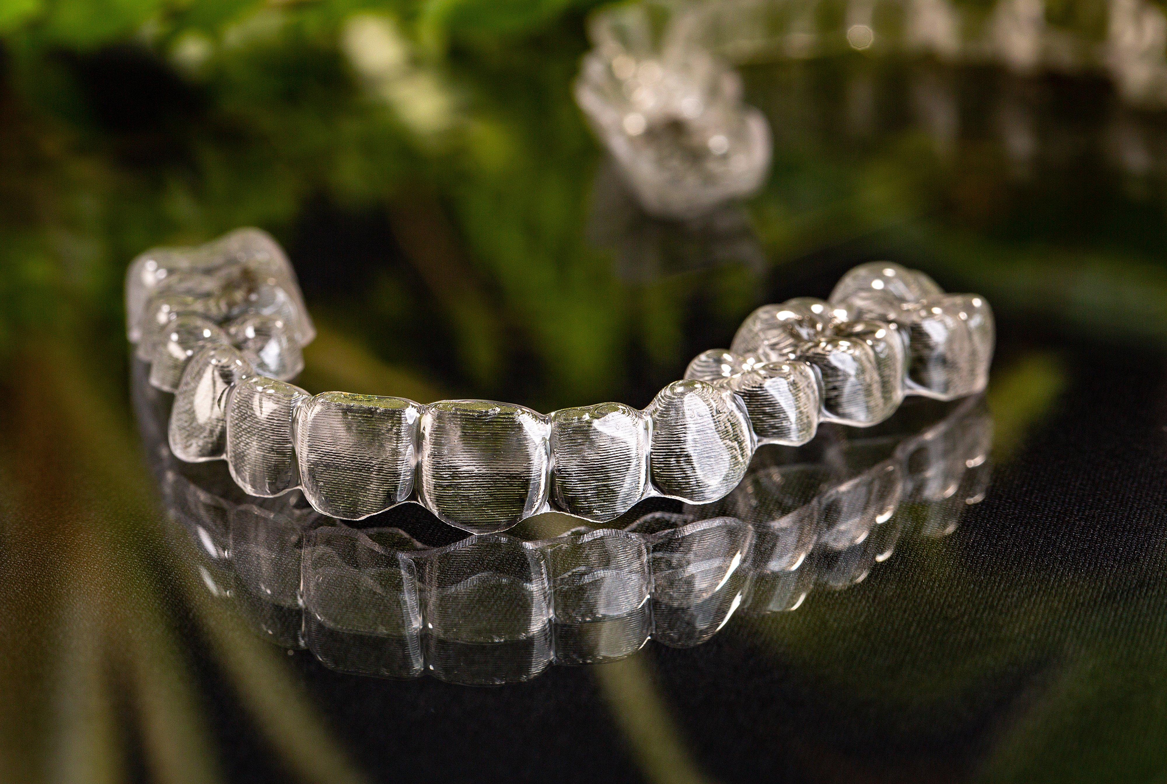 隱適美透明牙套 | 數位隱形矯正醫師 Dr.EMMA蔡宜均